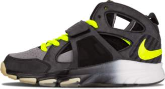 Nike Zoom Huarache TR Mid WM 'Alpha Pack' - Black/Volt