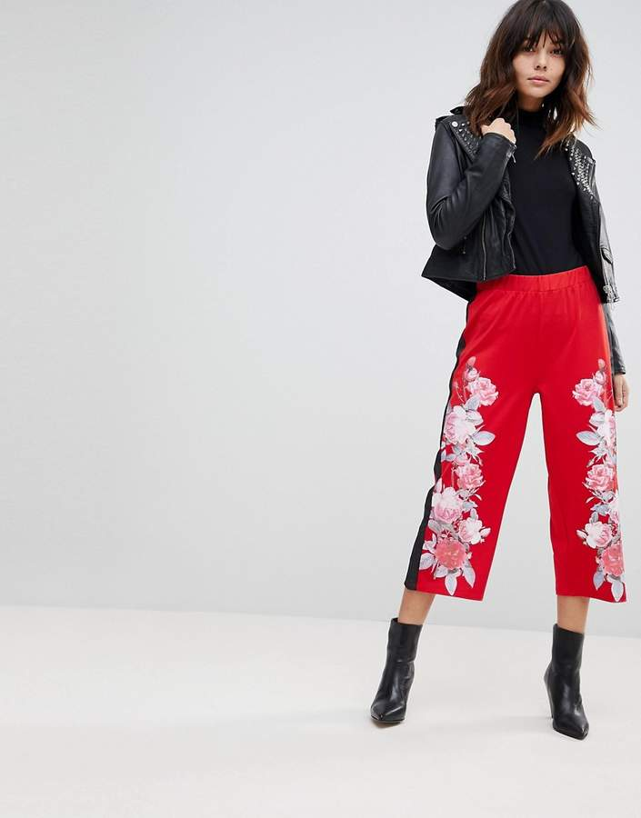 – Hosenrock aus Neopren mit Blumen- und Streifenmuster