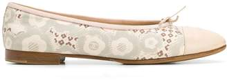 Chanel Pre-Owned 2000 floral print ballerina shoes