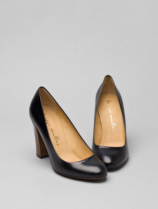 Bettye Muller Round Toe Heel