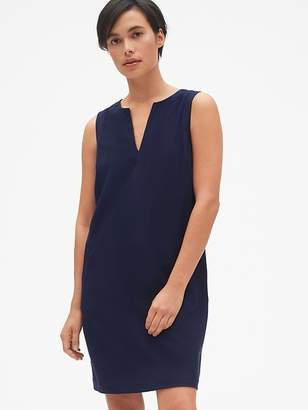 Gap Sleeveless Split-Neck Shift Dress