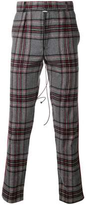 Represent check pattern chinos