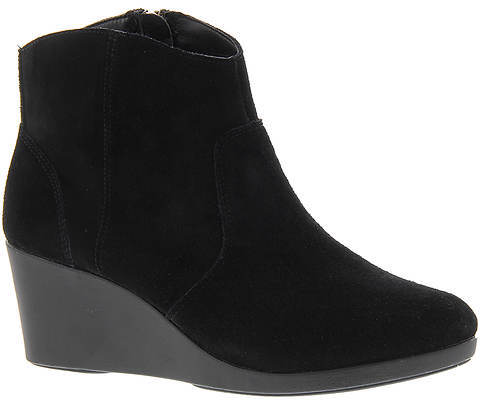 CrocsTM Leigh Suede Wedge (Women's)