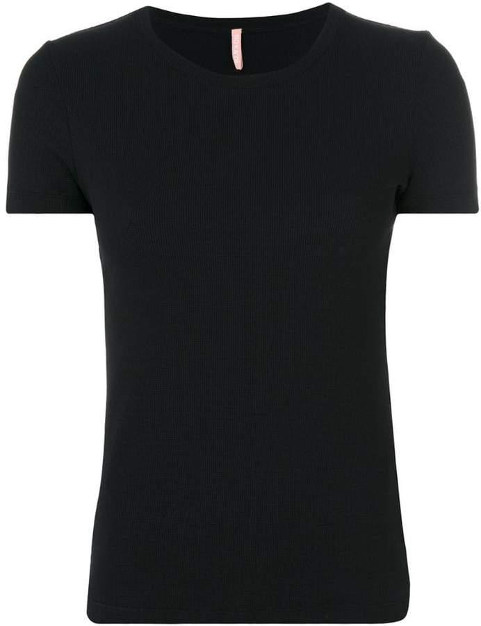 No Ka' Oi Klassisches T-Shirt
