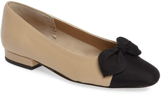 VANELi Favor Bow Flat