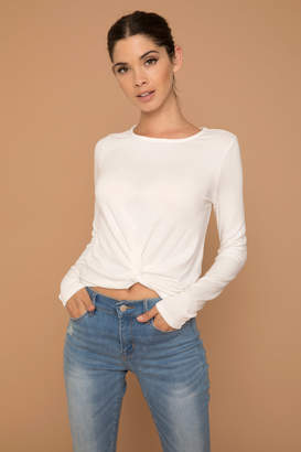 Ardene Kendall & Kylie Knotted Off White Crop Top