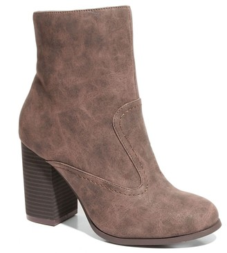 aae13669ee5 Two Lips Too Leo Women s Ankle Boots