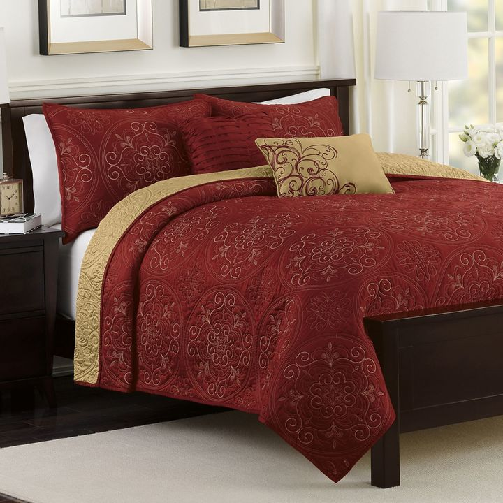 Bed Bath & Beyond Medallion 4-Piece Reversible Twin Quilt Set in Claret