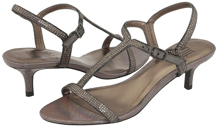 Pelle Moda Fact (Pewter Metallic Suede) - Footwear