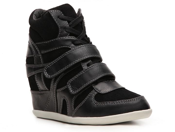 Zigi Soho Outfit Wedge Sneaker
