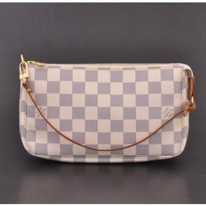 Louis Vuitton excellent (EX White Damier Azur Pochette Accessories Bag