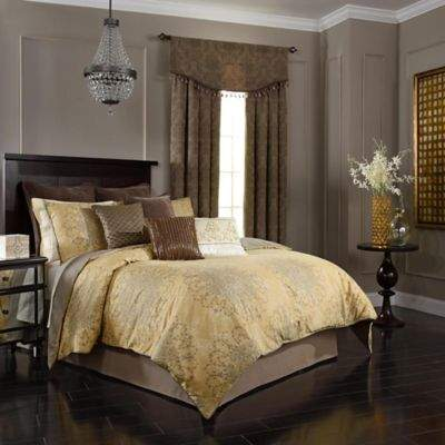 Sandrine 4-Piece Queen Comforter Set in Gold