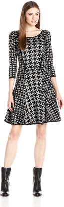Gabby Skye Women's 3/4 Sleeve Houndstooth Printed Sweater Dress, Black/Grey