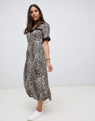70b13aebc3 Asos Design DESIGN collared maxi dress in leopard print