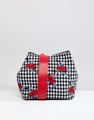 Liquorish Gingham and Floral Shoulder Grab Bag
