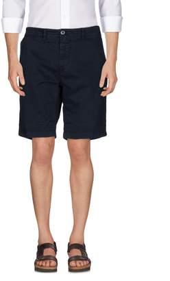 Uniform Bermudas