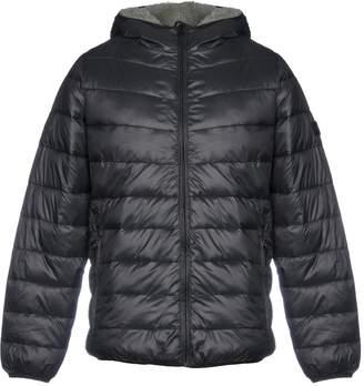 Globe Synthetic Down Jackets