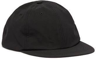 Satisfy 'Dynamic Running' baseball cap