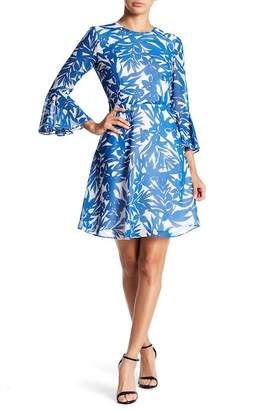 Donna Morgan Printed Bell Sleeve Chiffon Dress