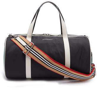 Burberry Panelled nylon holdall