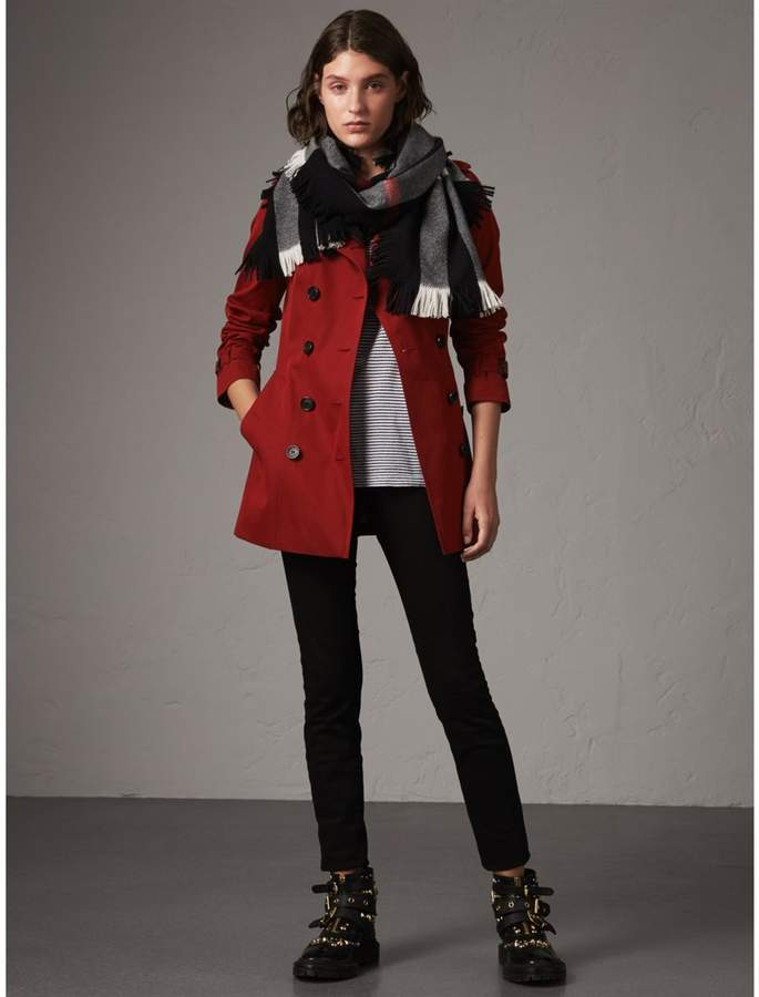 Burberry The Sandringham - Short Heritage Trench Coat , Size: 12, Red