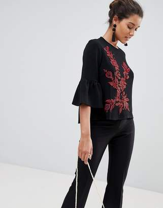 Qed London Embroidered Top With Frill Sleeve