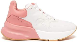 Alexander McQueen Runner Raised Sole Low Top Leather Trainers - Womens - Pink White