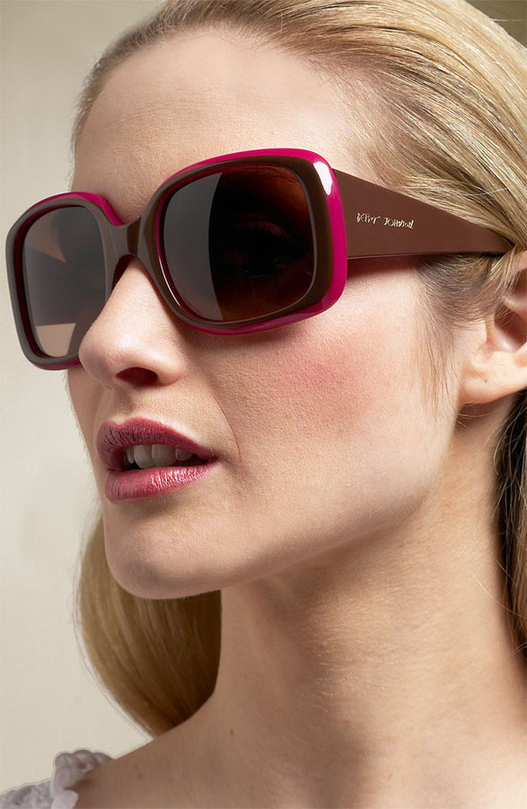Betsey Johnson 'Large Mod' Square Sunglasses