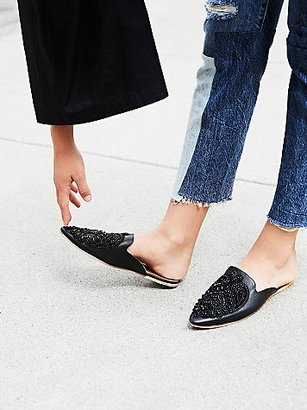Long Beach Flat by Jeffrey Campbell at Free People $110 thestylecure.com