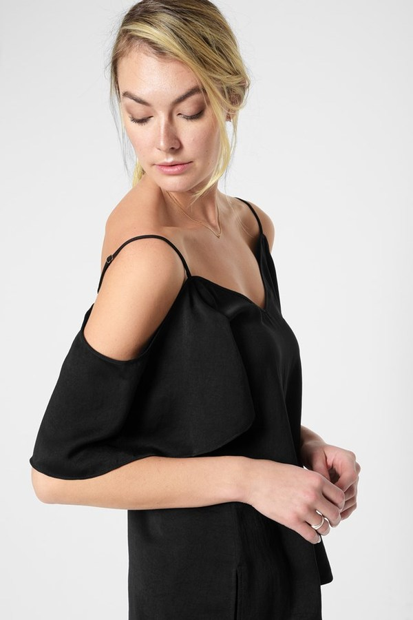 7 For All MankindOff The Shoulder Cami In Black