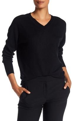 VINCE. V-Neck Cashmere & Linen Sweater $245 thestylecure.com