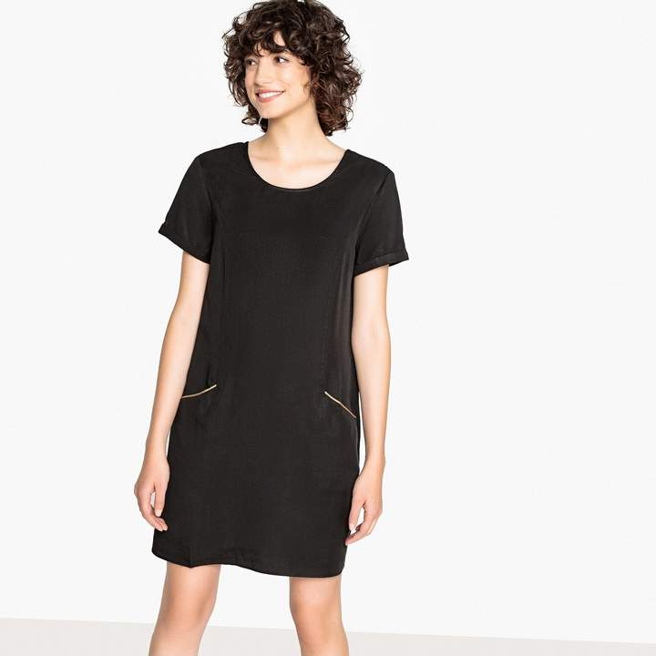 Straight Round Neck Dress with Short-Sleeves and V-Back