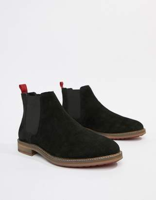 Asos Design DESIGN chelsea boots in black suede with red back pull