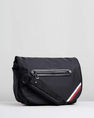 Tommy Hilfiger Easy Messenger Bag