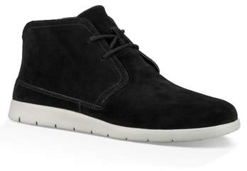 UGG(R) Dustin Chukka Boot