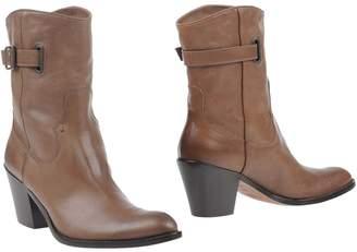 Duccio Del Duca Ankle boots
