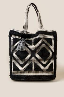 francesca's Delilah Diamond Tapestry Tote - Black