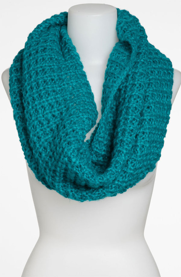 David & Young Chunky Knit Infinity Scarf