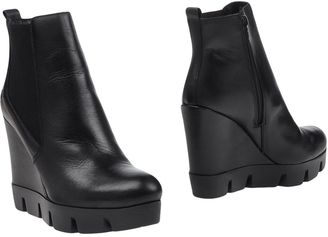 BRONX Ankle boots $120 thestylecure.com