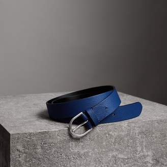 Burberry D-shaped Buckle Grainy Leather Belt