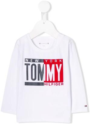 Tommy Hilfiger Junior logo print T-shirt