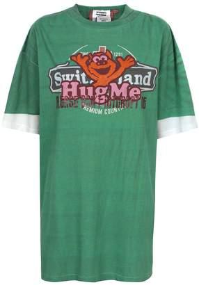 Vetements Hug Me T-shirt