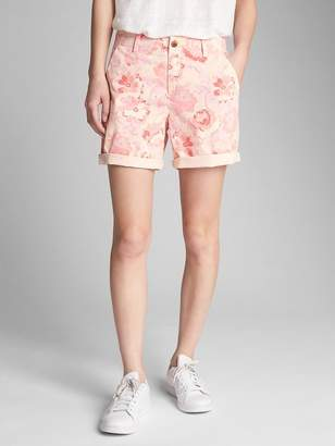 "Gap 5"" Girlfriend Chino Shorts with Floral Print"