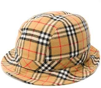Burberry signature checked hat
