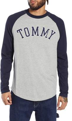 Tommy Jeans Long Sleeve Raglan T-Shirt