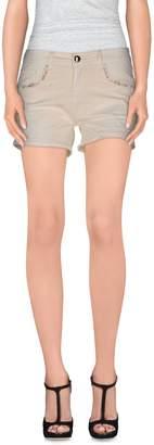 Molly Bracken Shorts - Item 36814210TJ