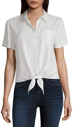 Arizona Short Sleeve Collar Neck Woven Blouse-Juniors