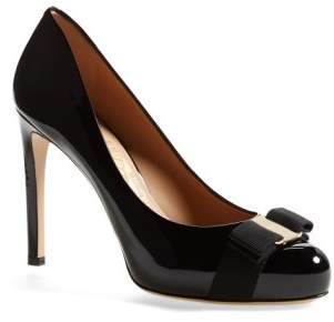 Salvatore Ferragamo Rounded Toe Bow Pump