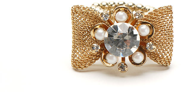 Gold Mesh Bow Ring w/Center Stone
