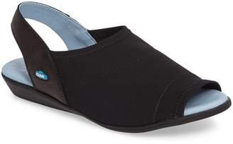 CLOUD Cuteness Slingback Sandal